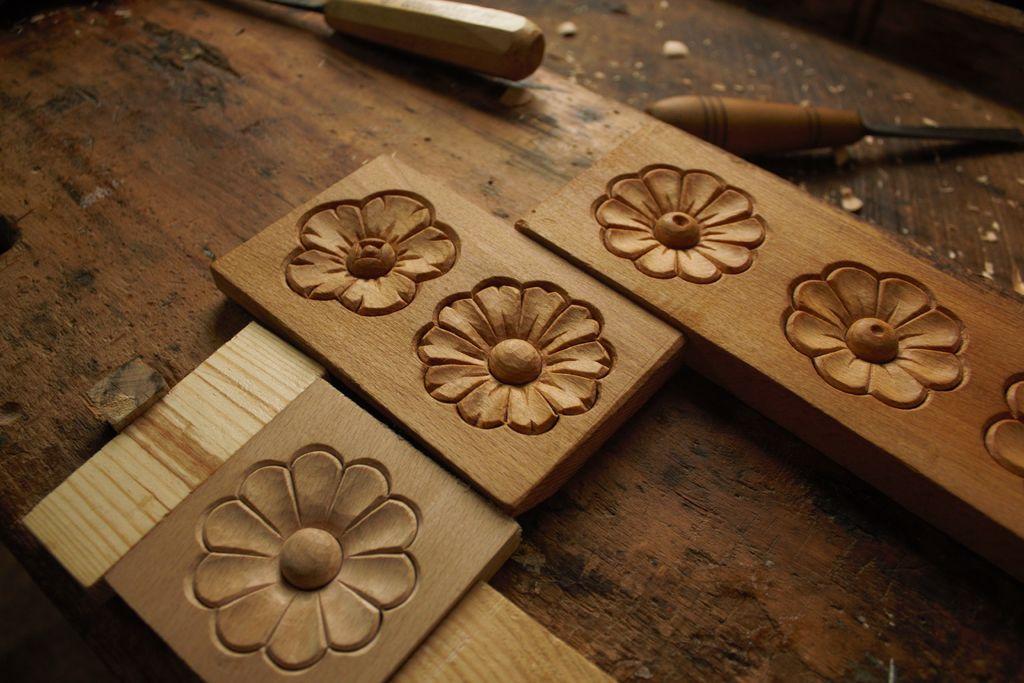 (ROSETTE) نحت الخشب بسيط – زهرة