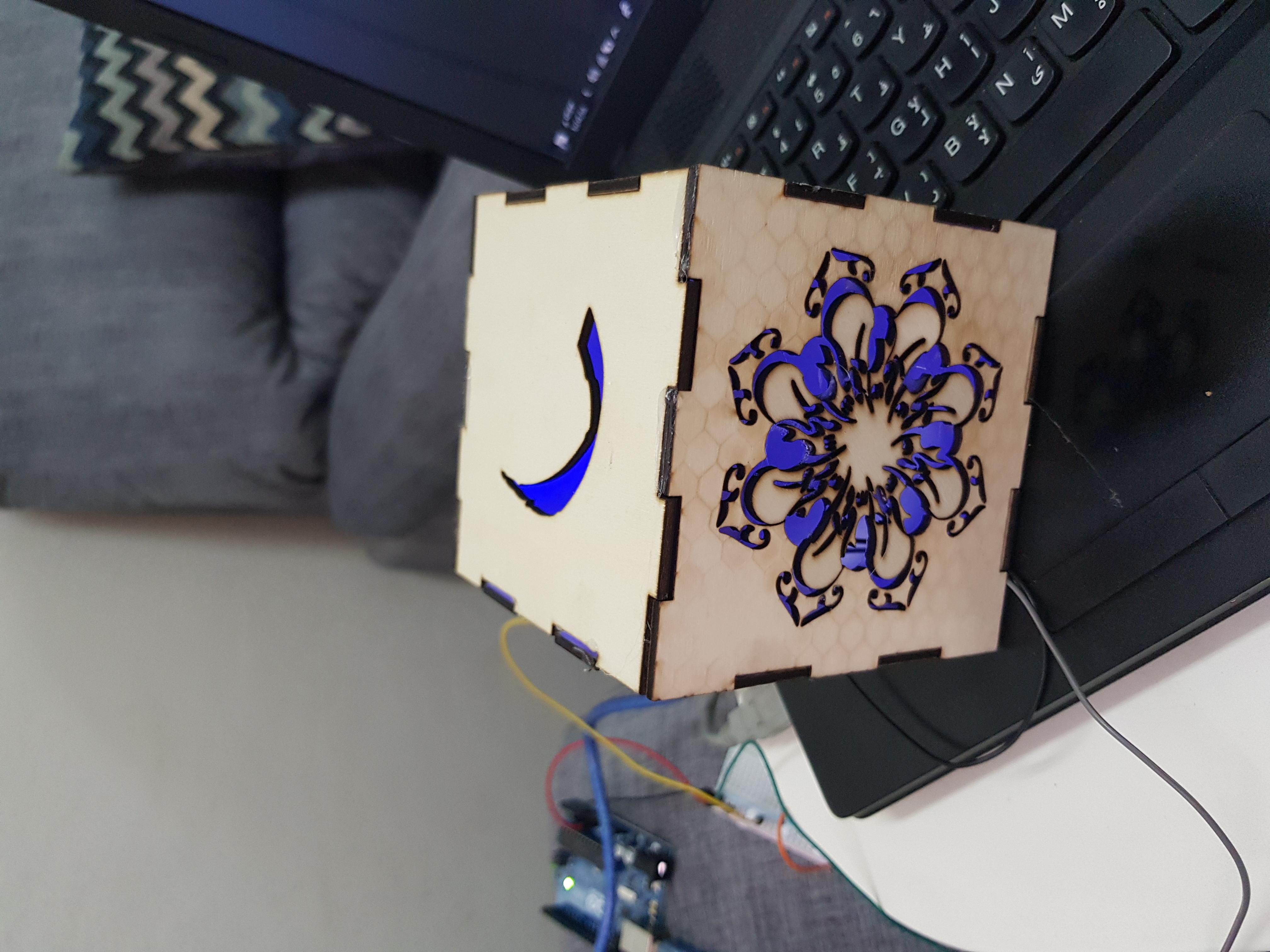 عمل ابجورة ضوئية تفاعلية عن طريق لوحة اردوينو.١