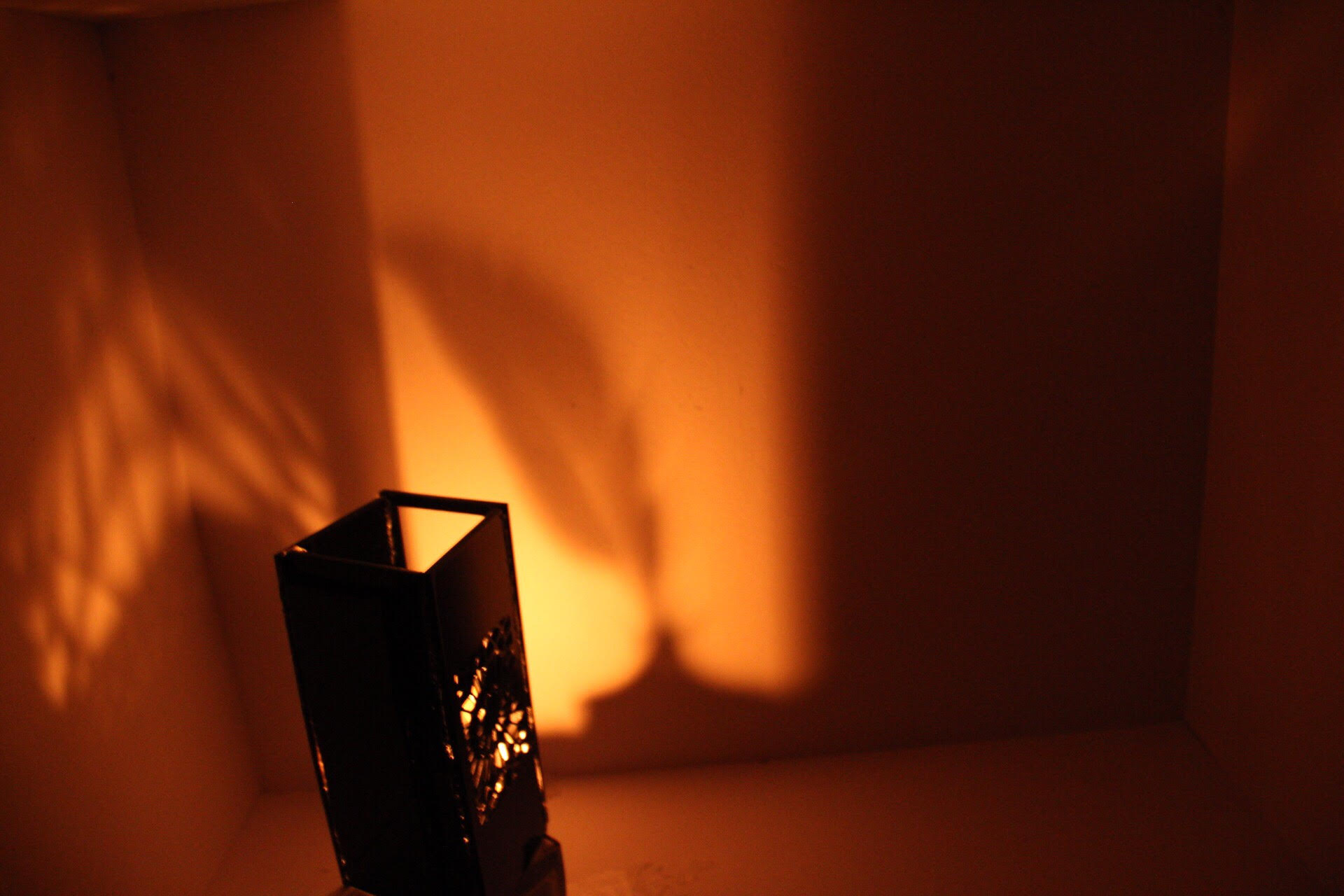 تصميم وحدة إضاءة واضافة ظل .