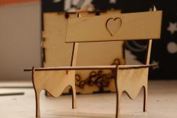 ورشة تصميم مقعد خشبي