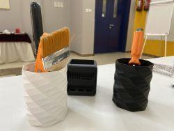 أدوات لتنظيم المكتب