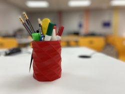 حامل أقلام و أدوات
